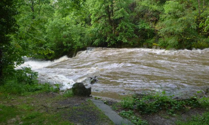 Fortes précipitations et des crues d'ordre quinquennales